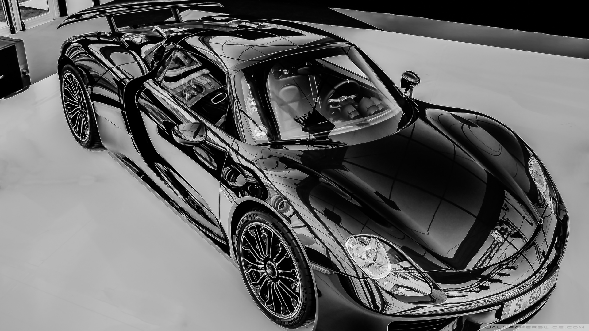 most_beautiful_cars_in_the_world__black_and_white-wallpaper-1920x1080